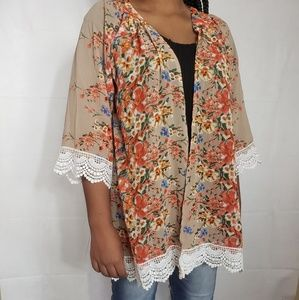 Floral Kimono With Lace at Hem and Sleeve Size Lg
